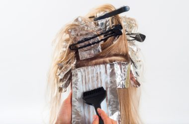 Jak dbać o włosy w ciąży i po niej